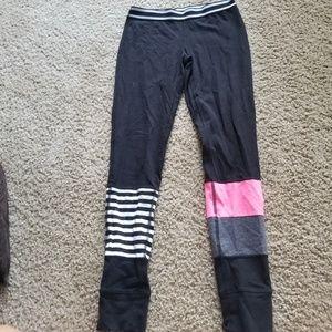 Material Girl Active design leggings